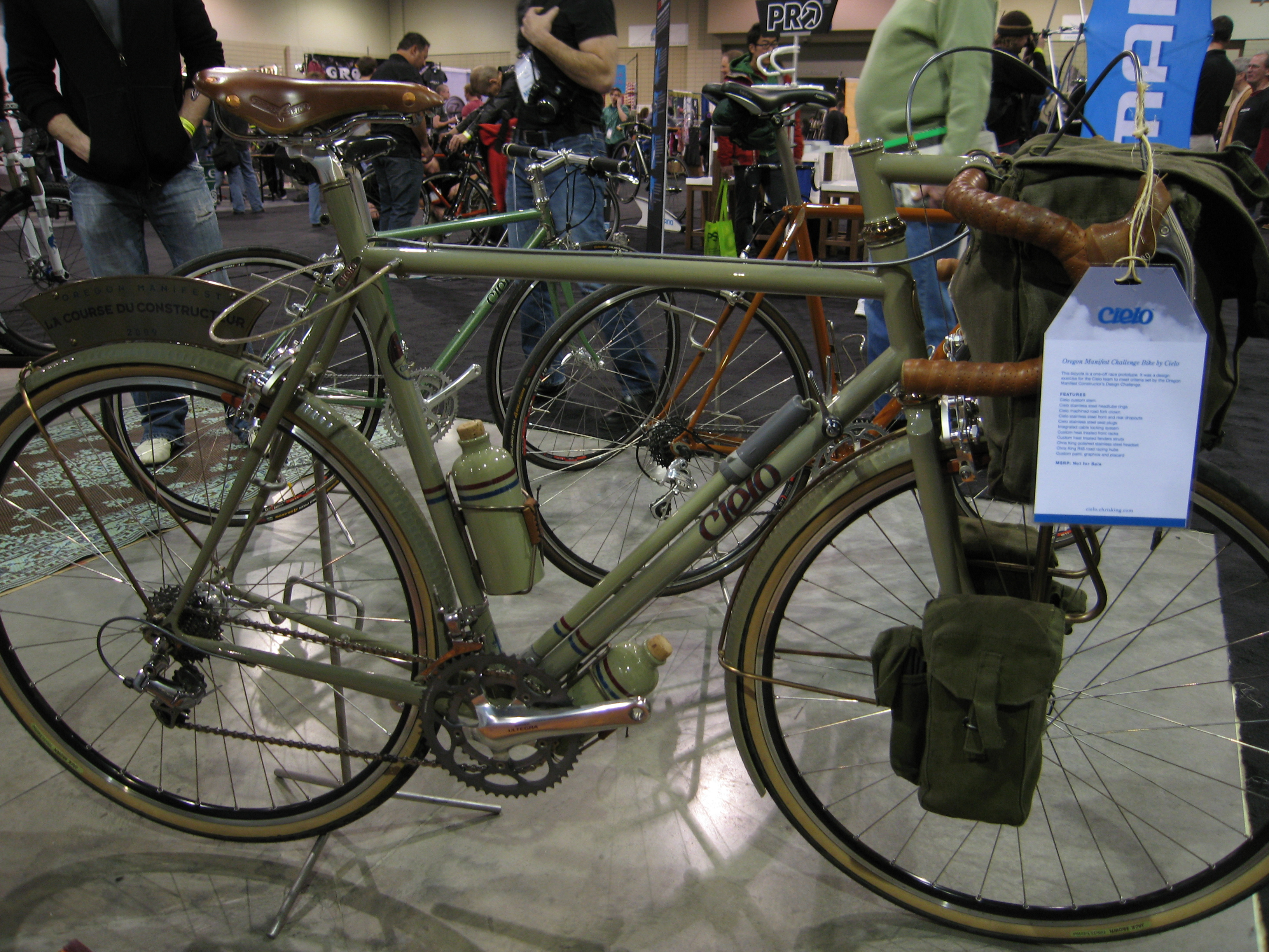 this trend toward practical utilitarian bikes was prevalant throughout the entire show whether you were looking for a stylish commuter here from cielo