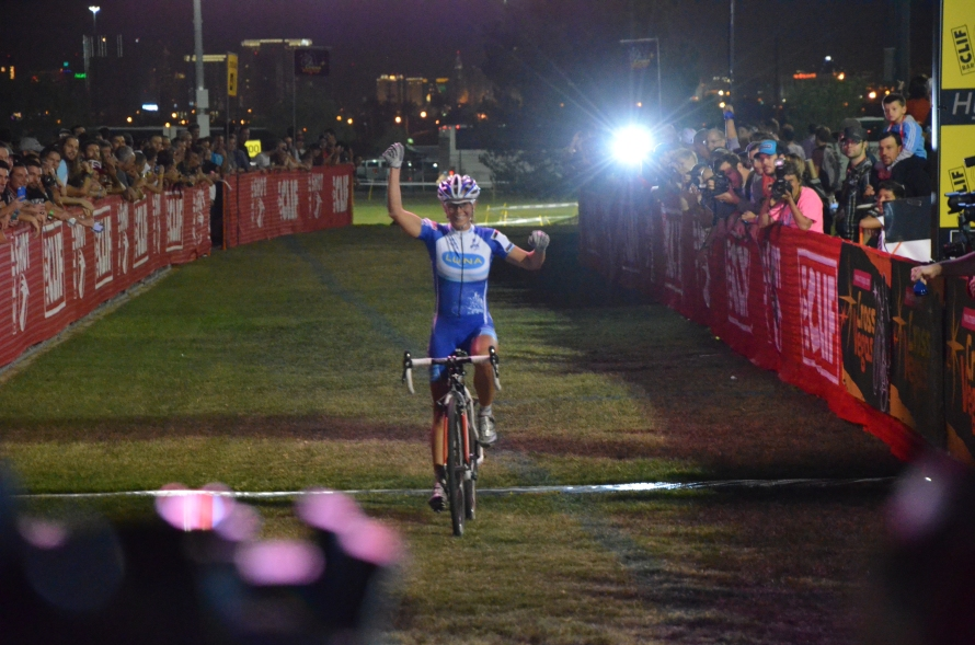 Cross_vegas_women_finish