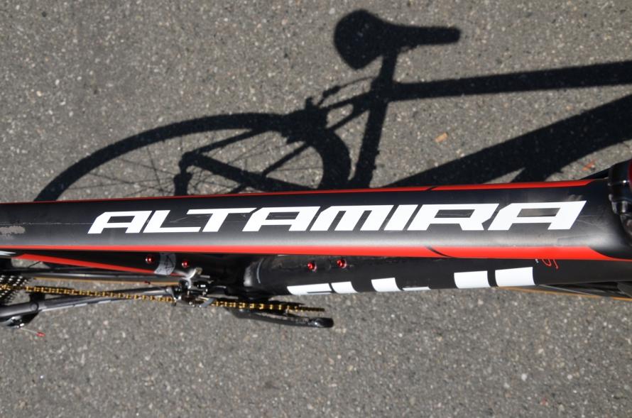 Tasteful branding and nice graphics help this bike look great