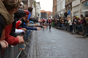 The race start in Brugge gives everyone an opportunity to see their heroes up close