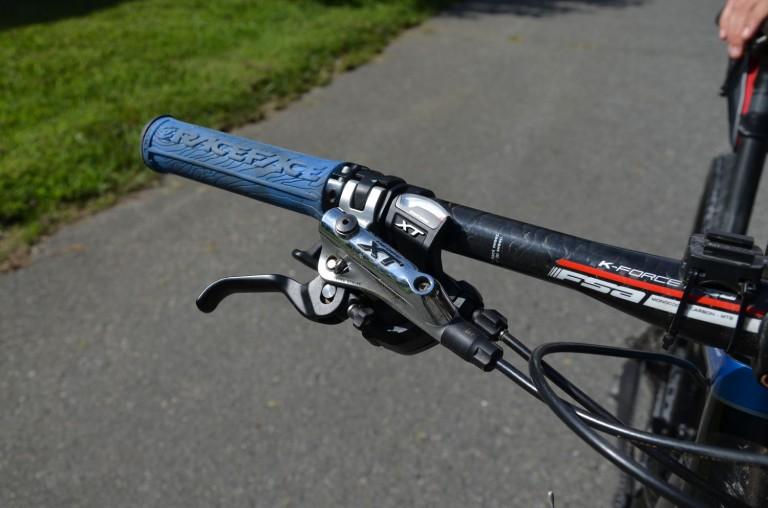 Shimano XT hydraulic brakes and 1x10 drivetrain