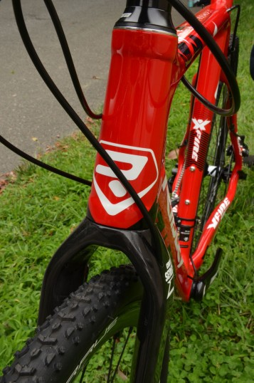 Massive headtube and fork arms improve front end stiffness