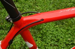 Internal cable routing helps keep things clean