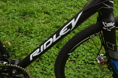 A 7005 alloy frame is stiff, light and durable