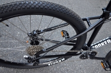"""Big Maxxis 29"""" tires and hydraulic brakes for a great ride"""