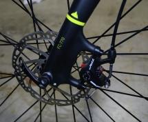 TRP SPYRE disc brakes on the fork